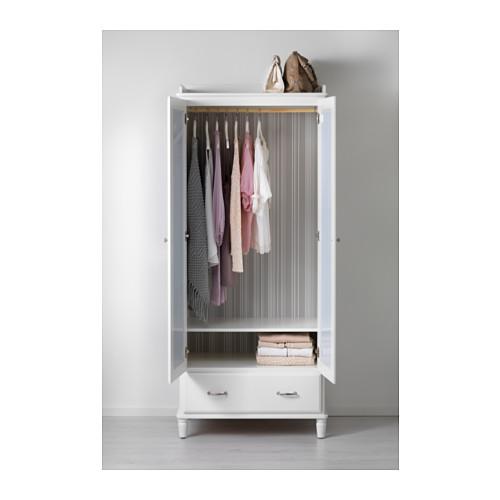 TYSSEDAL wardrobe