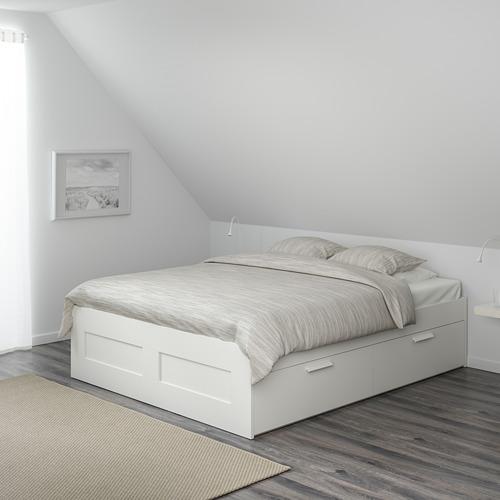 BRIMNES lovos rėmas su stalčiais