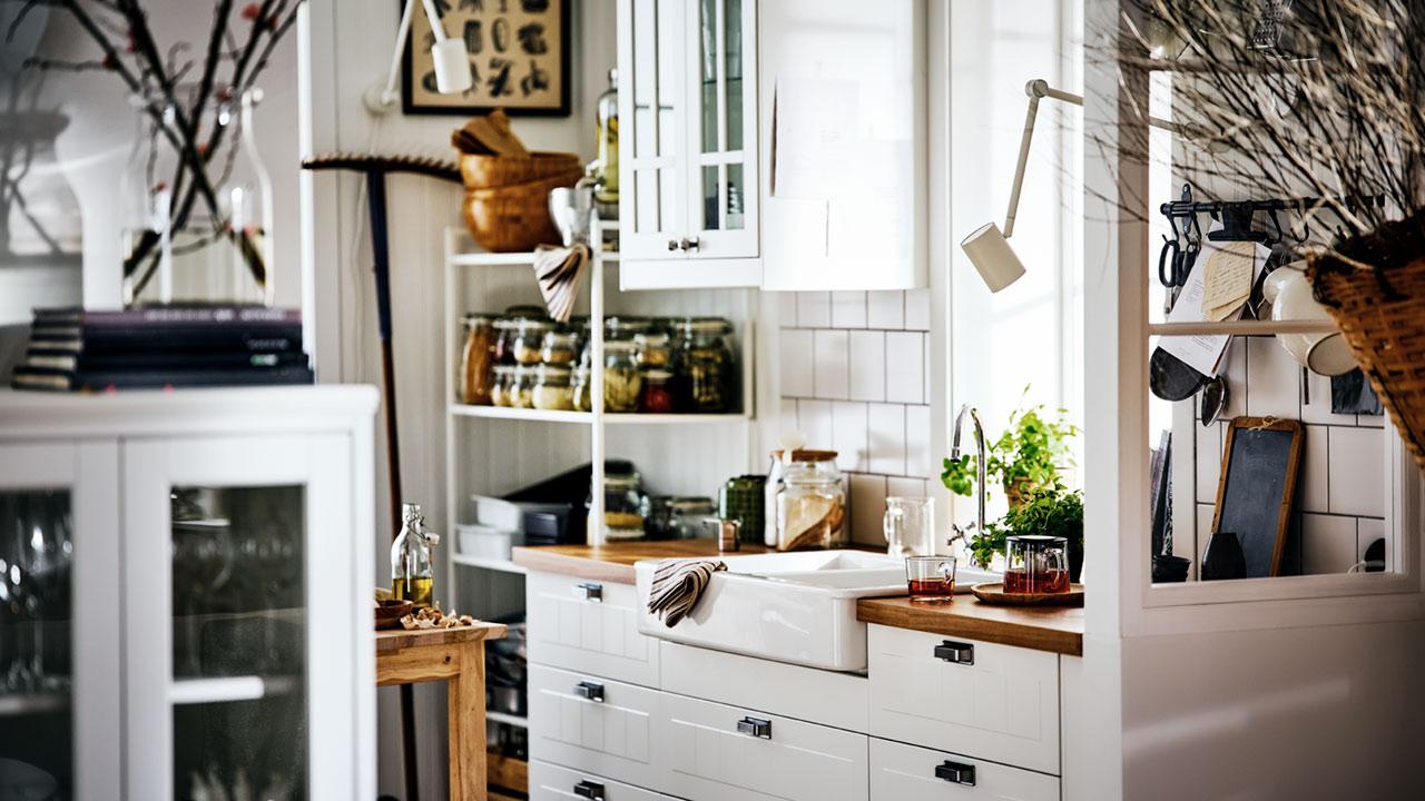 Maža ir kaimiškai jauki virtuvė