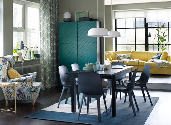 A bright and welcoming dining room