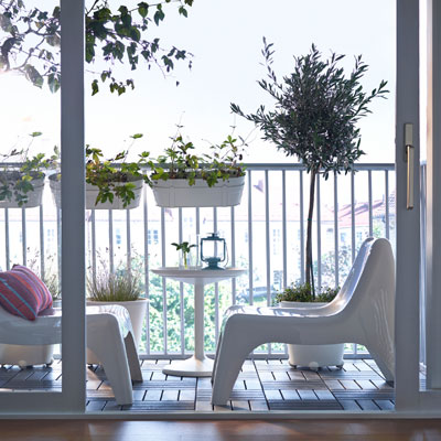 Balkono interjeras: moderni erdvė dviem