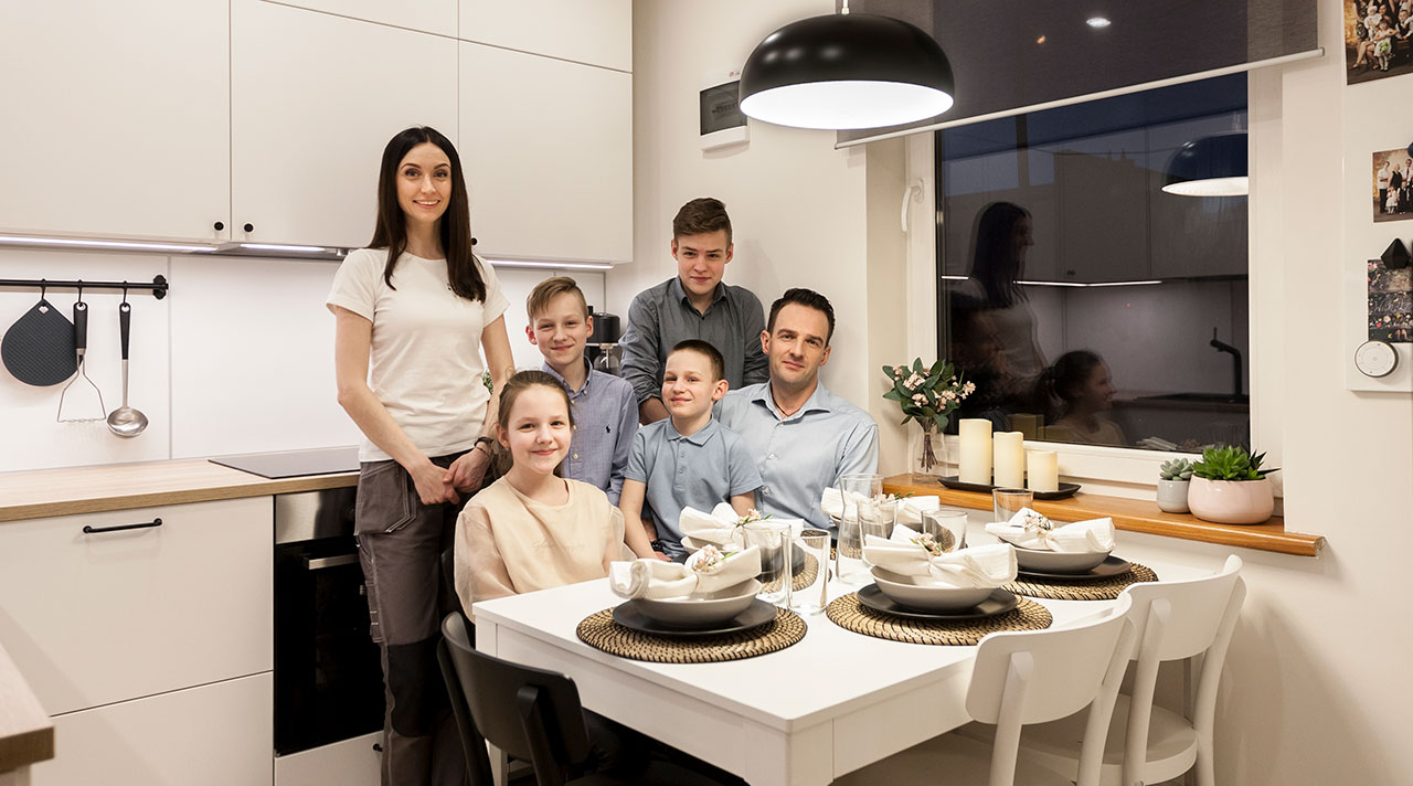 """Home idea with IKEA"": a brand new family's kitchen"