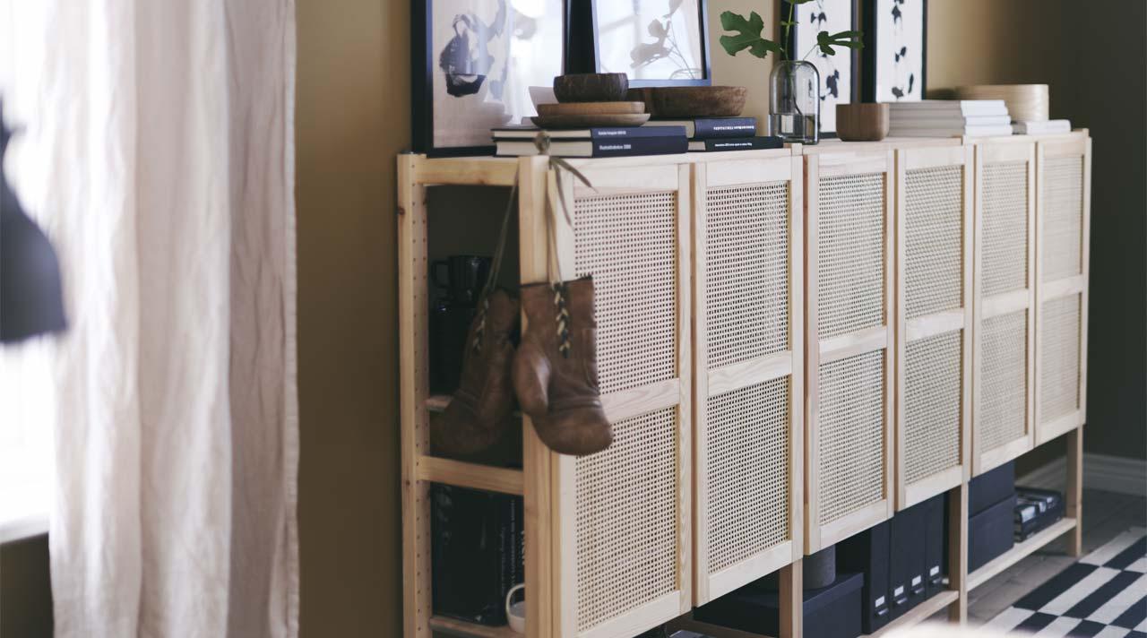 A versatile living area where calm is key
